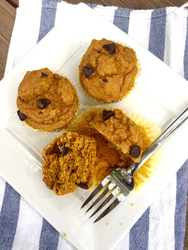 Moist and Fluffy Pumpkin Muffins