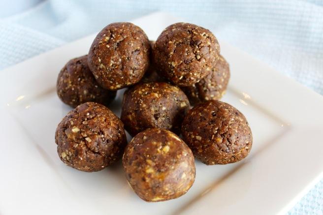 Peanut Butter Chocolate Energy Balls