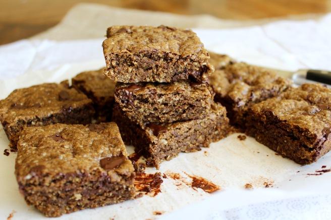Molasses Dark Chocolate Chunk Cookie Bars