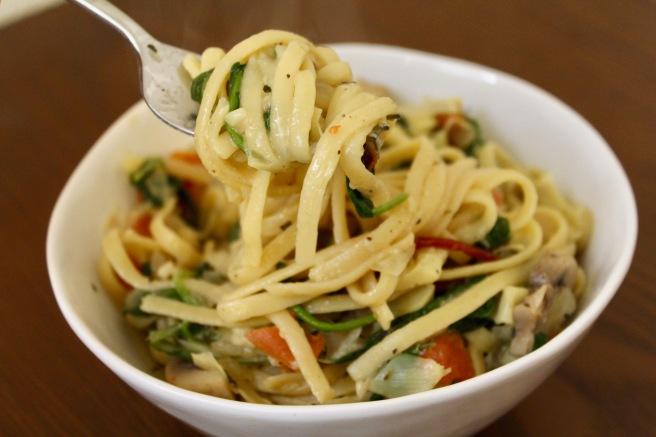 Easy One Pot Mushroom Spinach Artichoke Pasta
